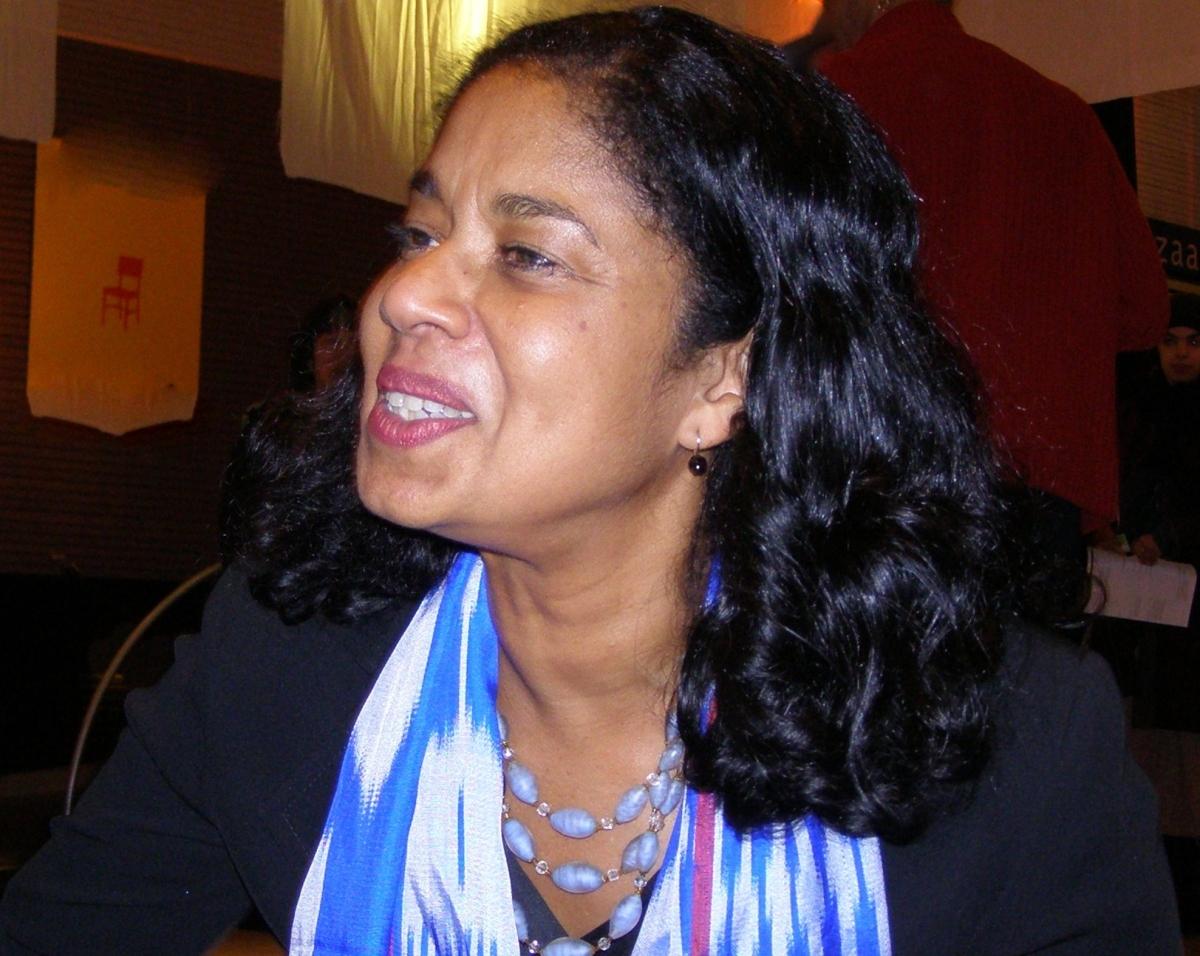 Lucia S Nankoe.
