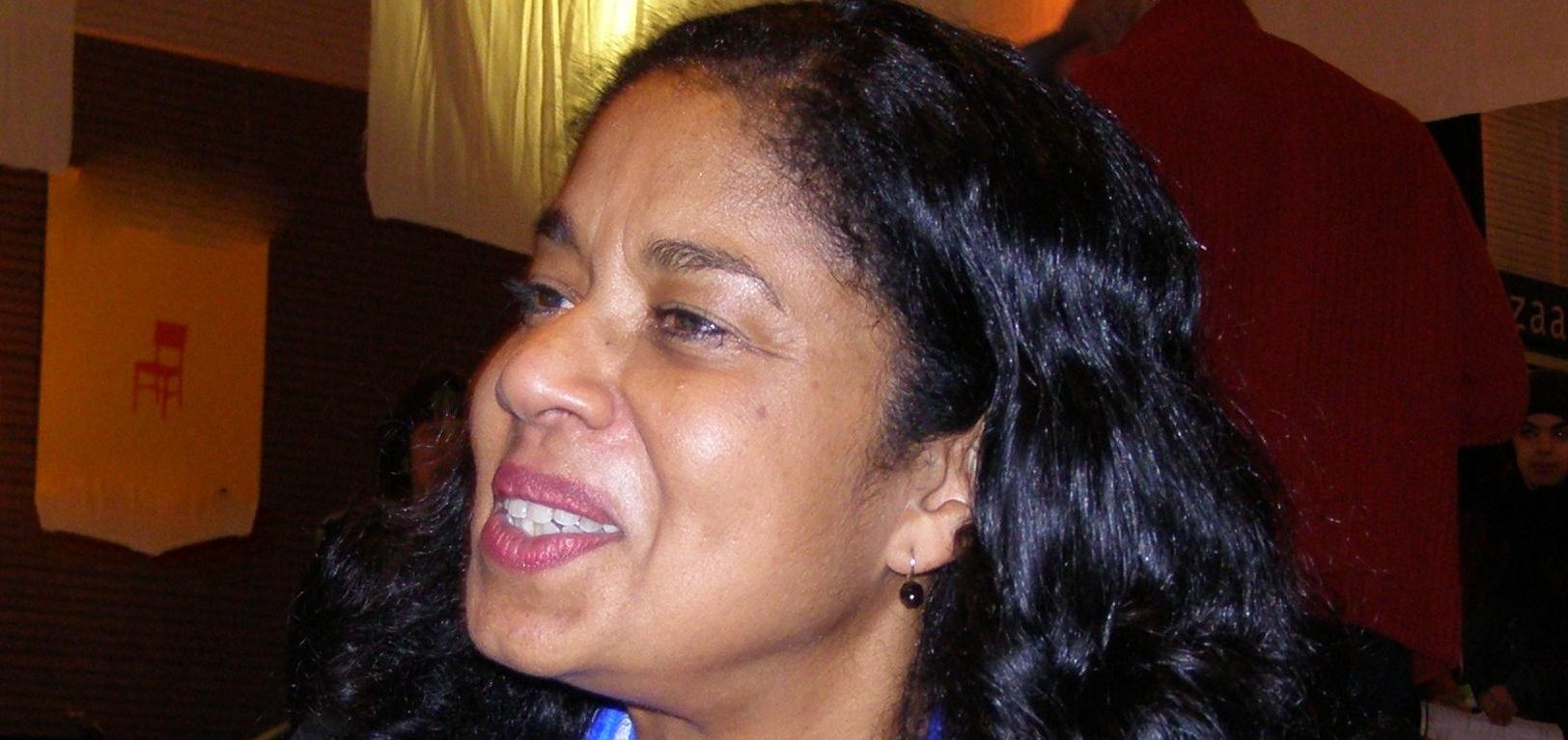 Nankoe, Lucia S