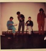 HellenGill and Friends tijdens een theater workshop, waaronder Tineke Sumter.